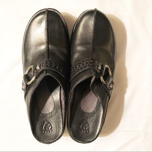 Ariat Black Leather Mules/Slide Ins Size 8 1/2B
